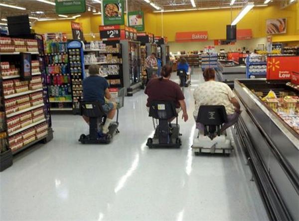 Khi các quý ông rủ nhau đi siêu thị.
