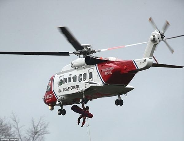 Chính phủ triển khai đội cứu hộ đến khắp các vùng nước ngập để kịp thời đảm bảo tính mạng cho người dân. (Ảnh: Internet)
