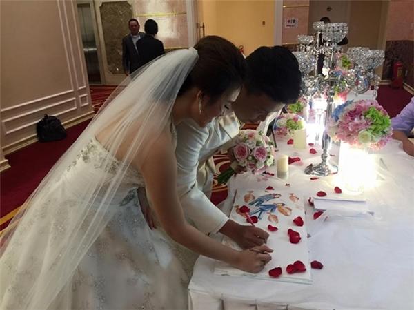 Một vài khoảnh khắc đáng nhớ trong lễ cưới của cặp đôi. - Tin sao Viet - Tin tuc sao Viet - Scandal sao Viet - Tin tuc cua Sao - Tin cua Sao
