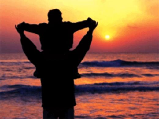 Dù là cách gọi nào thì hình ảnh người bố luôn thật vĩ đại trong lòng các con. (Ảnh Internet)