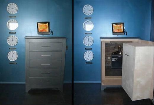 Nếu nhìn qua, bạn có thể sẽ nhầm chiếc két sắt này với tủ để đồ. Với thiết kế đặc biệt, nó được dùng để lưu trữ tài sản cũng như các vật quan trọng khác. Tuy vậy, giá của nó khá đắt đỏ, từ 5000 – 250.000 đô la(112 triệu – 5,6 tỉ đồng). (Ảnh: Oddee)