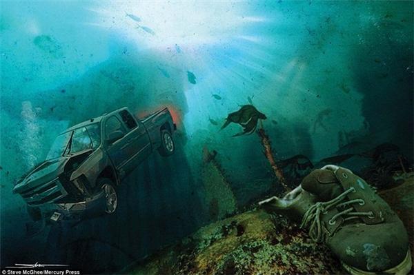 Tượng Chúa cứu thế ở Rio de Janeiro (Brasil) dưới làn nước xanh thẳm.