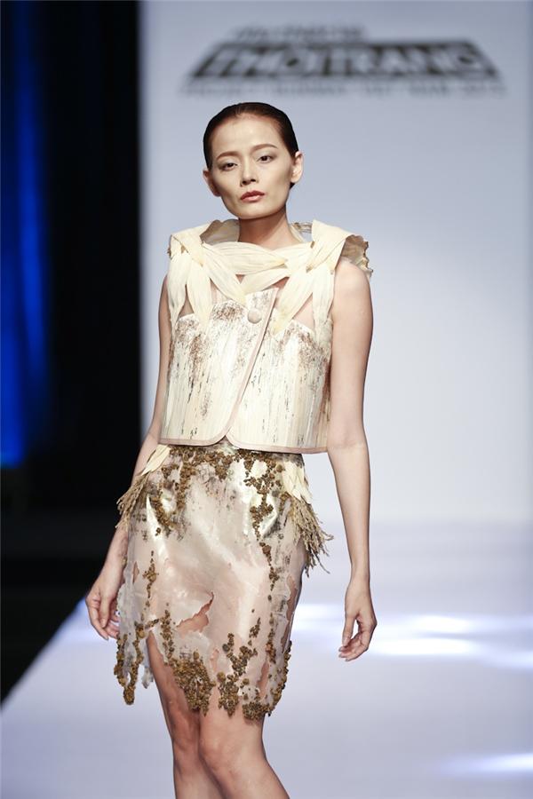 Thích mê những bộ váy làm bằng vỏ ngô của thí sinh Project Runway