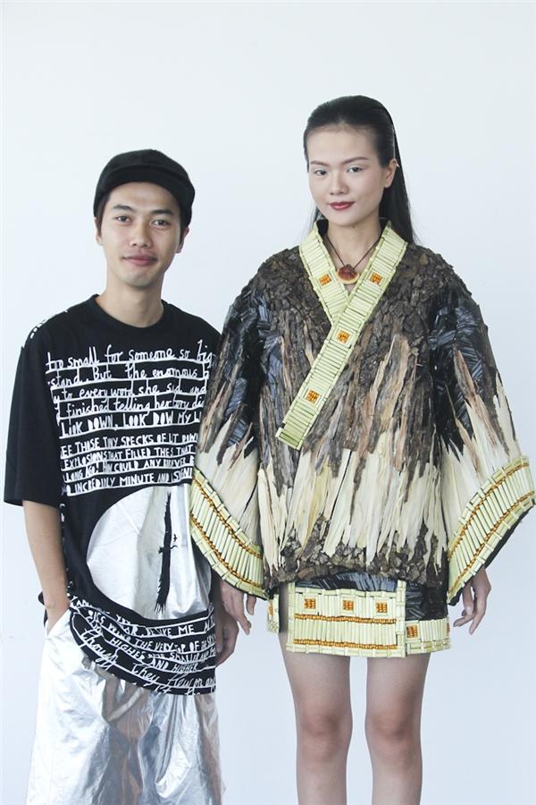 Trần Hưng được khen ngợi về cách xử lí chất liệu nhưng thiết kế lại mang âm hưởng thời trang Thu - Đông.