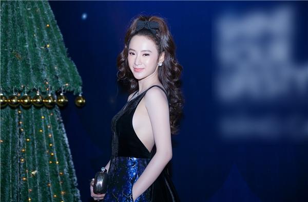 Sự chuyển biến trong gu thời trang gần đây của Angela Phương Trinh nhận được nhiều sự ủng hộ từ phía công chúng. - Tin sao Viet - Tin tuc sao Viet - Scandal sao Viet - Tin tuc cua Sao - Tin cua Sao