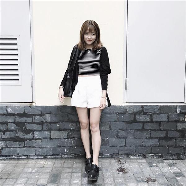 Gương mặt xinh xắn, gu thời trang dễ thương, cá tính, cô nàng được rất nhiều bạn trẻ yêu mến.(Ảnh: Internet)