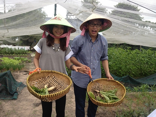 Quang Bảo và Kim Nhã trong chương trình Yan Around
