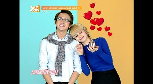 """Gần đây, Quang Bảo đã """"lấn sân"""" sang We10, dẫn cặp cùng với Mlee, và thường xuyên trở thành """"bờ vai nương tựa"""" cho cô nàng dễ thương này!"""