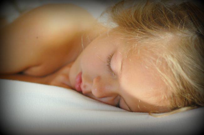 Ngủ sâu khoảng 1 giờ. (Ảnh: Viralnova)