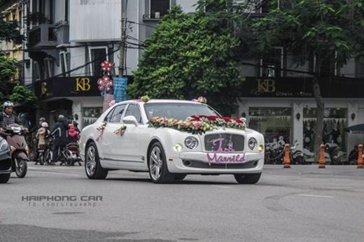 Dẫn đầu đoàn siêu xe'đi hỏi vợ' nổi bật là xế sang triệu đô - Bentley Mulsanne có giá gần 20 tỷ đồng.