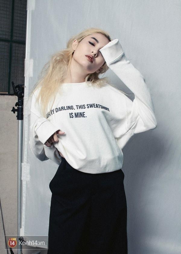 Nhờ sự dễ mặc, dễ phối, lại thoải mái và cá tính, sweatshirt tiếp tục trở thành item xuất hiện mọi lúc mọi nơi.