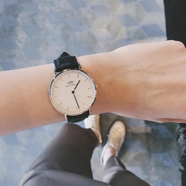 Trong năm qua, nếu một fashionista nào đó có đeo đồng hồ thì đến 90% đó sẽ là mẫu đồng hồ tối giản của Daniel Wellington.