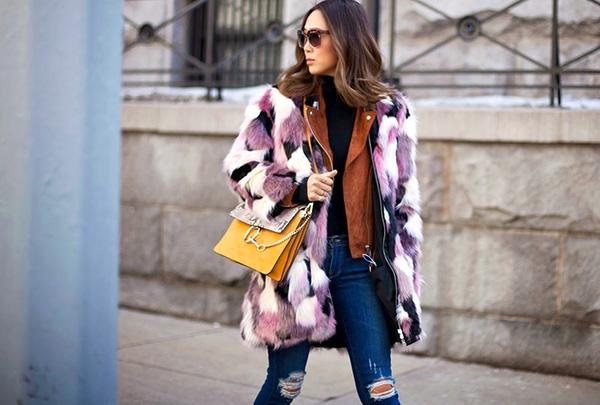 """Chiếc túi Faye của Chloé """"đánh chiếm"""" mọi bức hình street style."""
