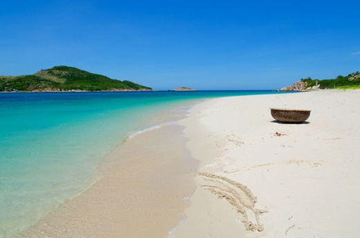 Bình Hưng biển xanh cát trắng vô cùng lãng mạn. (Ảnh: Internet)