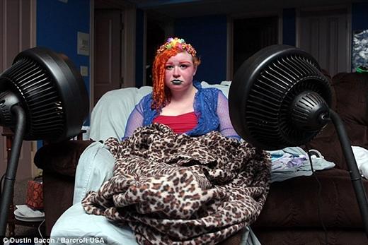 Cô từng gặp cả trăm bác sĩ nhưng không ai tìm ra giải pháp chữa trị căn bệnh này. (Ảnh: Internet)
