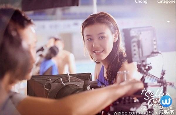 Nụ cười tỏa sáng của Liu Xiang được ví như sưởi ấm rất nhiều trái tim của những chàng trai FA trên mạng xã hội.