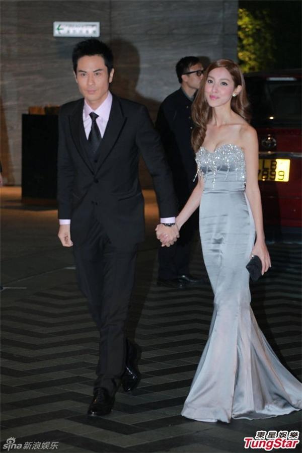 Trịnh Gia Dĩnh sánh đôi Trần Khải Lâm. Hoa hậu Hong Kong cho biết cô rất nóng lòng trở thành cô dâu.