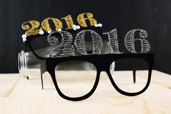 """Chiếc mắt kính này sẽ làm những bức ảnh chụp đêm Giao thừa của bạn trở nên """"chất lừ"""" luôn!"""