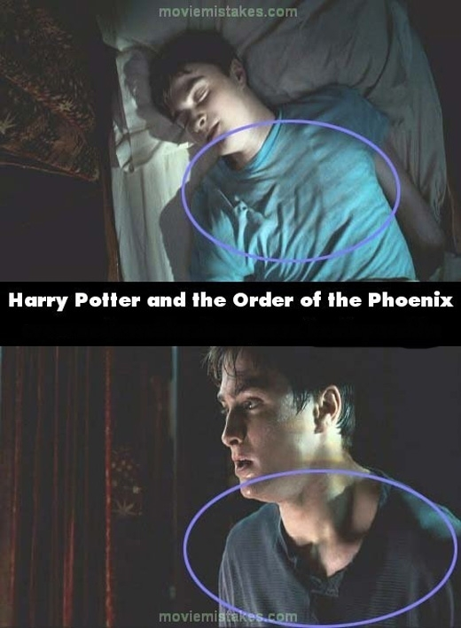 Có vẻ như Harry mới học được phép thay áo trong khi ngủ. (Ảnh: buzzfeed)