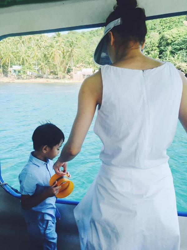 Hai mẹ con Hồ Ngọc Hà đang tận hưởng kỳ nghỉ cuối năm của mình ở Phú Quốc - Tin sao Viet - Tin tuc sao Viet - Scandal sao Viet - Tin tuc cua Sao - Tin cua Sao