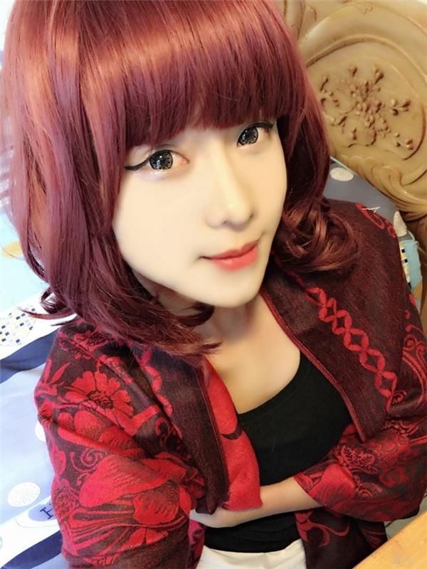 Anh chàng điển trai Lê Duy gây bất ngờ với hình ảnh xinh đẹp và quyến rũ với mái tóc đỏ.(Ảnh: Internet)
