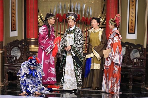 Tình huống cuối cùng giám khảo Hoài Linh đặt ra để quyết định phần thắng chung cuộc. - Tin sao Viet - Tin tuc sao Viet - Scandal sao Viet - Tin tuc cua Sao - Tin cua Sao