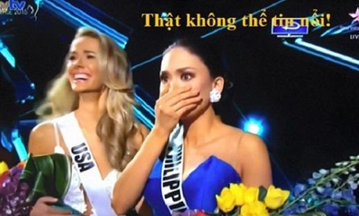 Khoảnh khắc trao giải trong đêm chung kết Miss Universeđã trở thành đề tài được cư dân mạng rần rần chế ảnh. (Ảnh Internet)