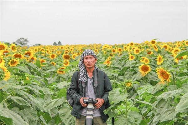 Nghệ sĩ nhiếp ảnh Võ Việt.