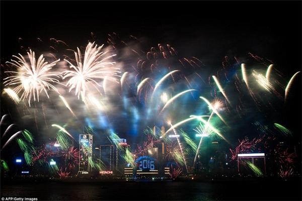 Màn pháo hoa tại vịnh Victoria - HongKong. (Ảnh: Internet)