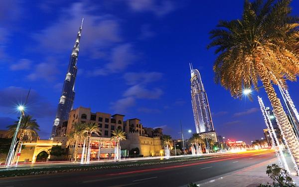 Khách sạn Address và siêu cao ốc Burj Khalifa nằm khá gần nhau.
