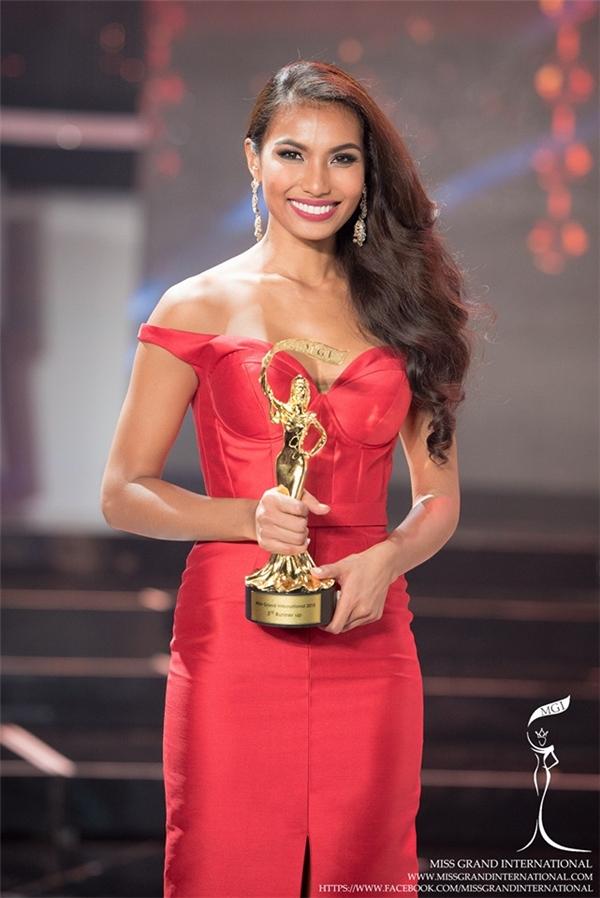 Đầu tháng 10, Parul Shah đã mang lại sự khởi đầu thuận lợi cho nhan sắc Philippines khi đăng quang ngôi vị Á hậu 3 Hoa hậu Hòa bỉnh quốc tế 2015.