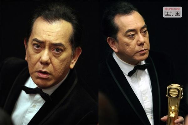 Khuôn mặt bình thản của Huỳnh Thu Sinh khi nhận giải Thị Đế năm 2015 của TVB. Sự hờ hững của ông được coi là một trong những dấu hiệu đánh dấu sự đi xuống của TVB. Trong năm 2015, TVB gần như không có tác phẩm nào xuất sắc vì đấu đá nội bộ và sự ra đi của dàn diễn viên cũ. Nhiều người lo lắngtương lai của TVB sẽ giống với đài ATV.