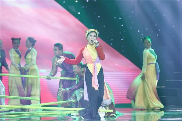 Những giai điệu sôi động của bản phối khiến khán giả nhún nhảy theo hai nữ ca sĩ. - Tin sao Viet - Tin tuc sao Viet - Scandal sao Viet - Tin tuc cua Sao - Tin cua Sao