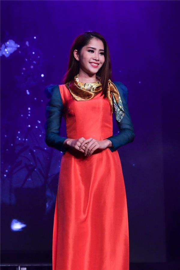 Phạm Hương rạng rỡ đọ sắc cùng Lan Khuê, Thúy Vân
