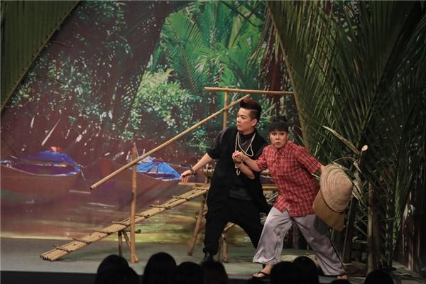 Nam ca sĩ dụ dỗ Việt Hương đến nơi vắng vẻ để thuận tiện cho việc bỏ trốn - Tin sao Viet - Tin tuc sao Viet - Scandal sao Viet - Tin tuc cua Sao - Tin cua Sao
