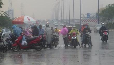 . Người dân tại các tỉnh Nam Bộ cần đề phòng những cơn mưa trái mùa xuất hiện như ngày hôm qua. Ảnh: Internet