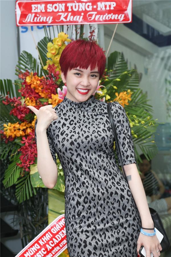 Thiều Bảo Trâm nổi bật với mái tóc đỏ - Tin sao Viet - Tin tuc sao Viet - Scandal sao Viet - Tin tuc cua Sao - Tin cua Sao