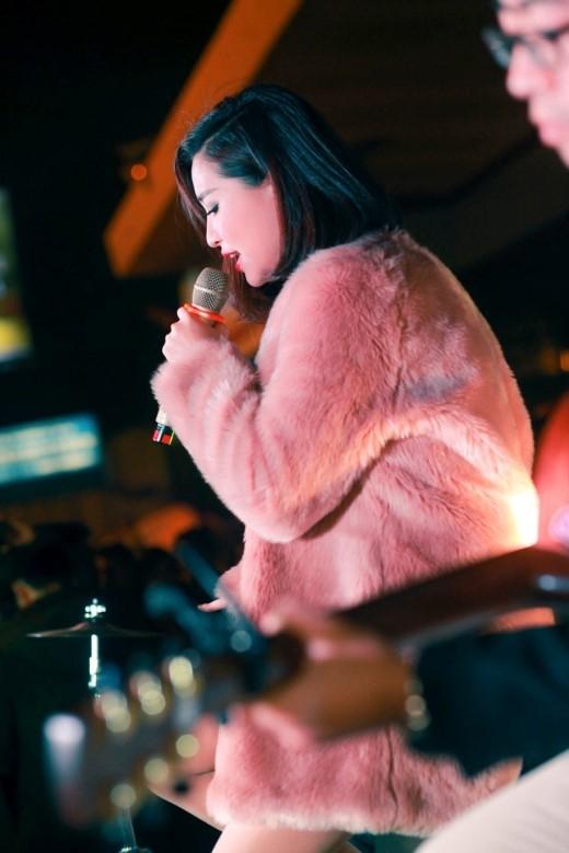 """Bích Phương khiến dân tình chao đảo với bản phối mới của """"Hương Ngọc Lan"""" và """"Yêu Dại Khờ""""… - Tin sao Viet - Tin tuc sao Viet - Scandal sao Viet - Tin tuc cua Sao - Tin cua Sao"""