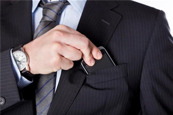 Những ảnh hưởng nghiêm trọng của điện thoại di động đến sức khỏe