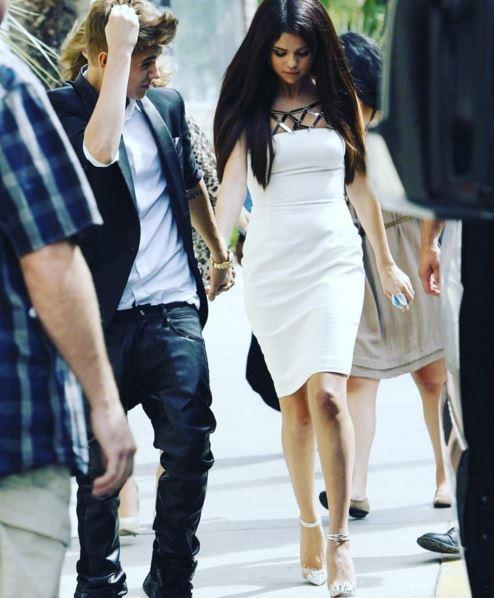 Justin Bieber công khai khóa môi chân dài nóng bỏng Hailey Baldwin