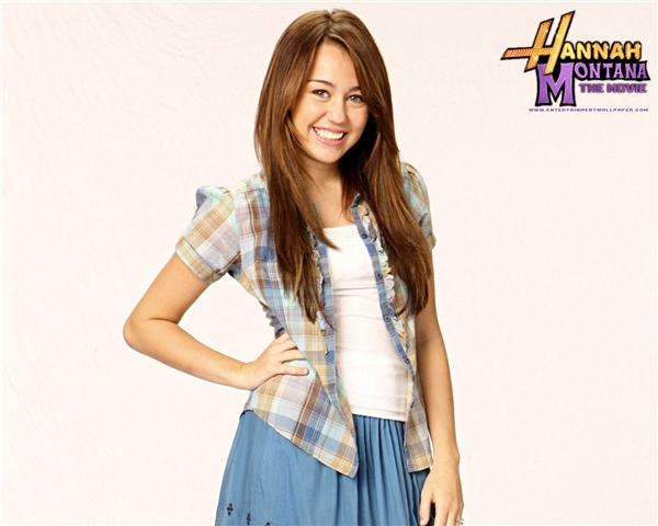 Nuôi tóc dài, Miley Cyrus đã chán làm gái hư?