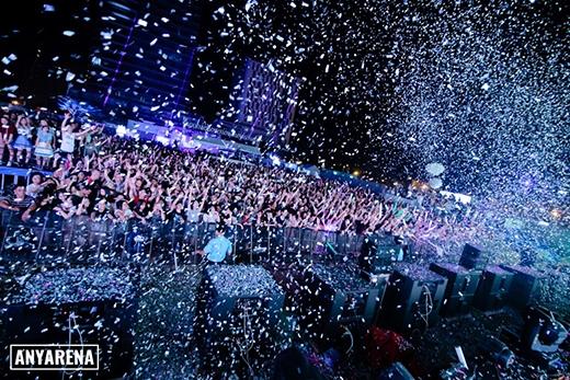 Màn countdown hoành tráng nhất tại Escape New Year 2016