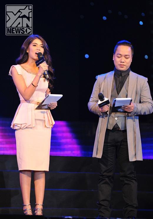Phương Linh và Tùng Leo dẫn dắt lễtrao giải Yan Vpop 20 Awards 2013.