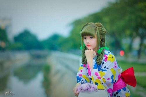 Khi những hình ảnh của Mai được truyền đi tràn lan trên mạng, đã có nhiều người bắt đầu lợi dụng cái tên của nàng để lập tài khoản blog mạng xã hội để nổi tiếng.