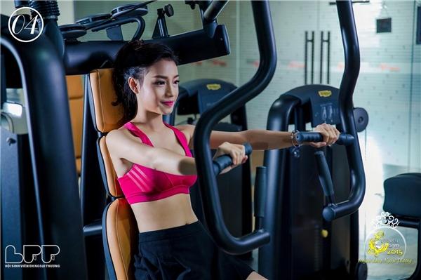 Cô nàng cũng vô cùng yêu thích tập gym, hình ảnh xin đẹp, khỏe khoắncủaNgọc Anhtrong phòng gym nhận được rất nhiều sự yêu thích từ bạn bè.(Ảnh: Internet)
