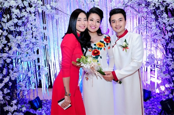 Đọ vẻ thu hút áo cưới của mĩ nhân Việt trong năm 2015
