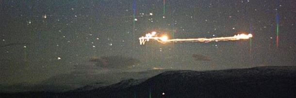 Người dân sinh sống tại thung lũng Hessadalen ở Na Uy, trong một thời gian dài đã liên tục nhìn thấy những tia sáng lạ xuất hiện lập lòe trên bầu trời hàng đêm với nhiều màu sắc khác nhau. Ảnh: Internet