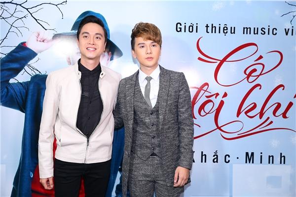 Rất nhiều nghệ sĩ trong V-biz đã dành thời gian đến chúc mừng sản phẩm đầu tay của nam ca sĩ trẻ như Nam Cường, Nhật Tinh Anh, Dương Lâm (Quán quân Cười xuyên Việt), MC Thanh Tú, Á hậu Hoàng Oanh.