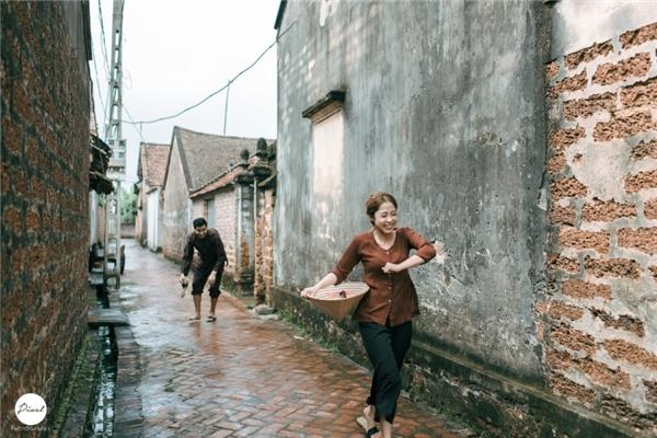 """Cười híp mắt với ảnh cưới nhắng nhít"""" của cặp chồng Tây - vợ Việt"""