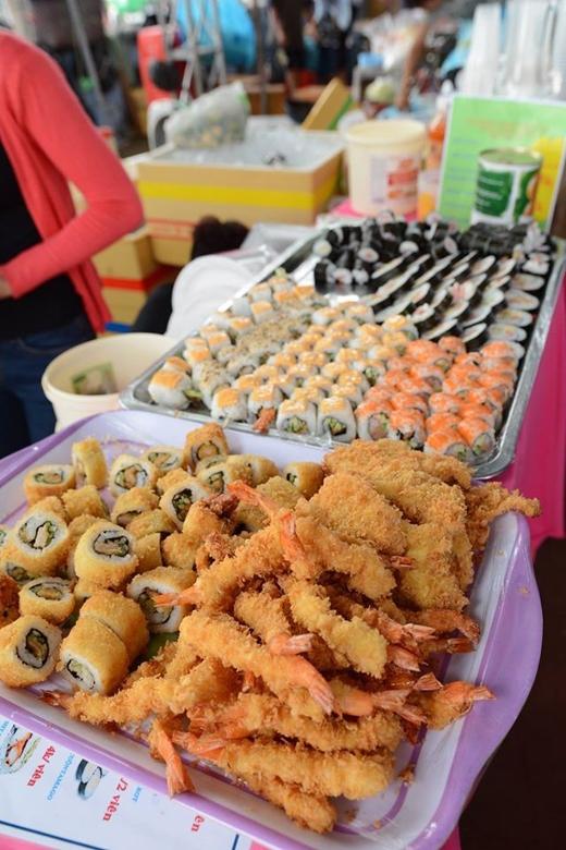 Sushi chỉ từ 3.000 - 5.000 đồng/viên.